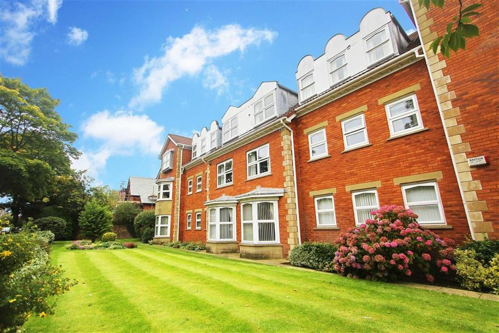 3 Bedrooms Flat for sale in Marlborough House, Whitley Bay