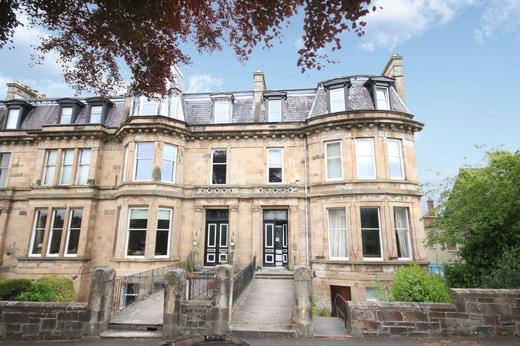 2 Bedrooms Flat for sale in 5 Blairbeth Terrace, Burnside, G73 4JB