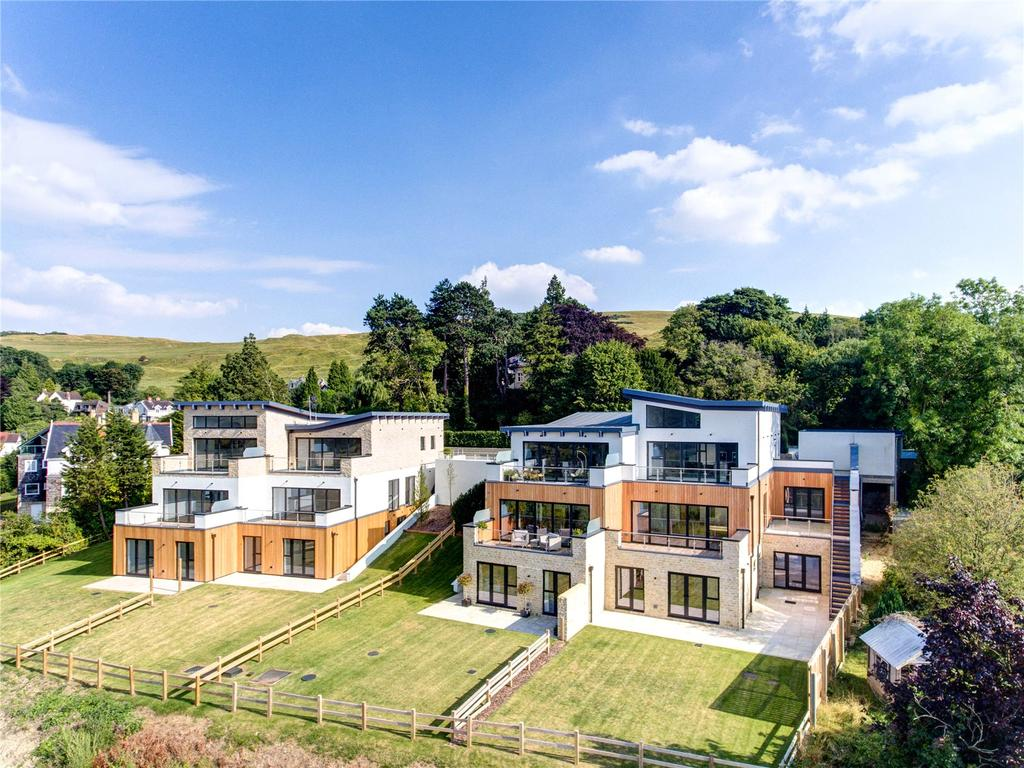 5 Bedrooms Semi Detached House for sale in 4 The View, Cleeve Hill, Cheltenham, Gloucestershire, GL52