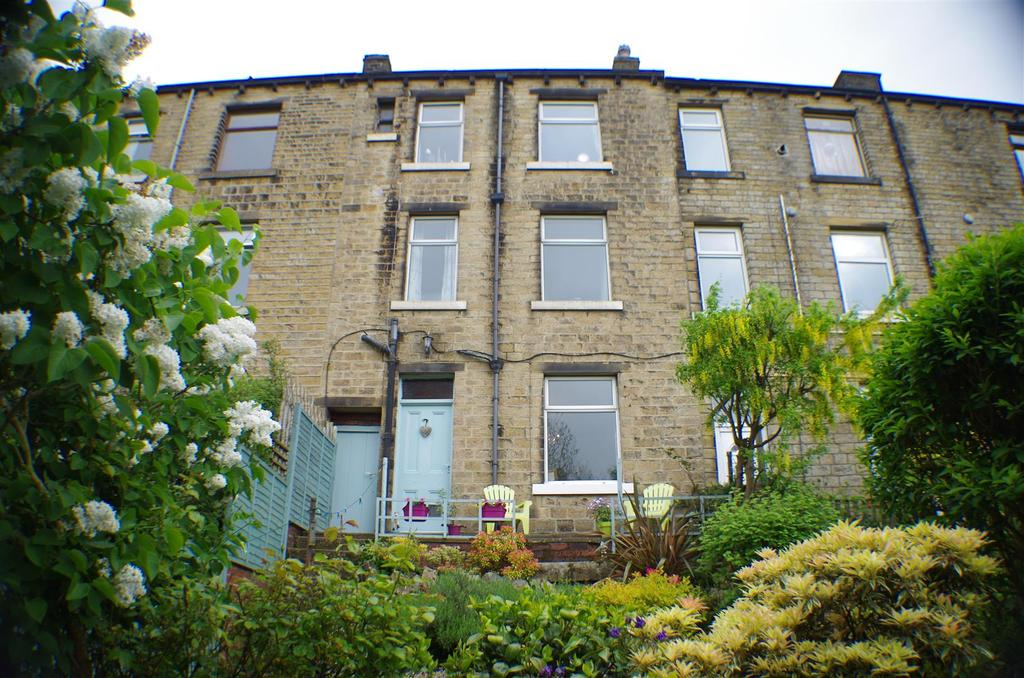 2 Bedrooms Terraced House for sale in Manchester Road, Linthwaite,