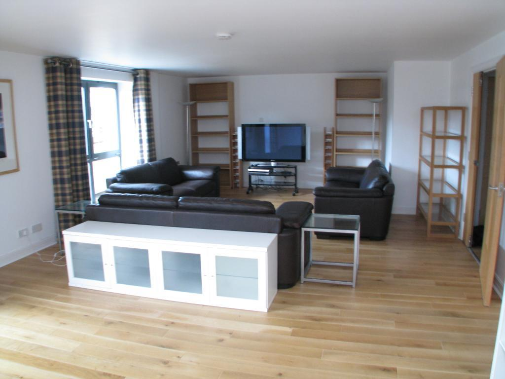 2 Bedrooms Flat for rent in Portland Place, Calverley Street, Leeds, West Yorkshire, LS1