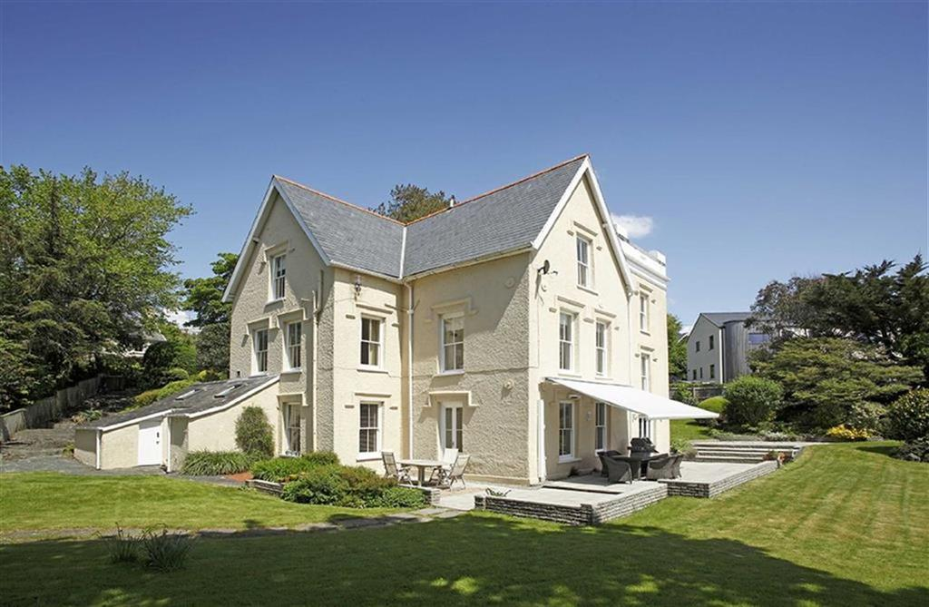 5 Bedrooms Detached House for sale in Balkan Hill House, Balkan Hill, Aberdyfi, Gwynedd, LL35