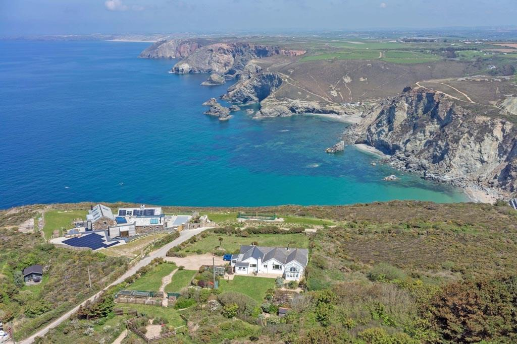 4 Bedrooms Detached Bungalow for sale in West Polberro, St Agnes, Cornwall, TR5