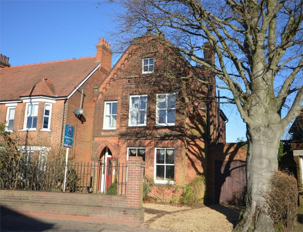 6 Bedrooms Detached House for sale in 79 Dunmow Road, Bishop's Stortford