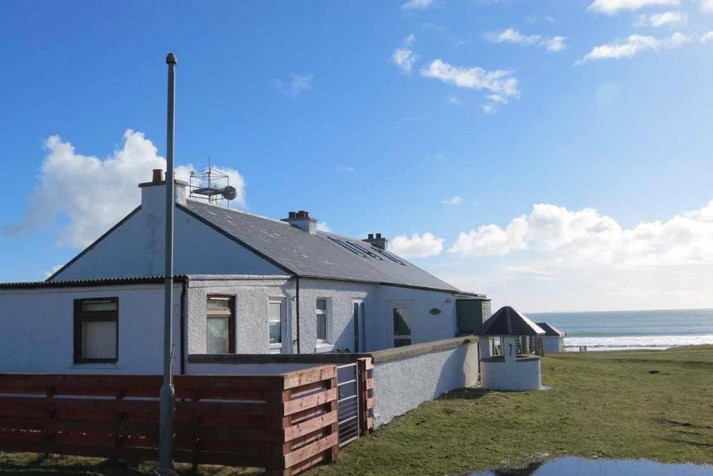 2 Bedrooms Semi Detached Bungalow for sale in Derna, Scarinish, Isle of Tiree, Argyll and Bute, PA77