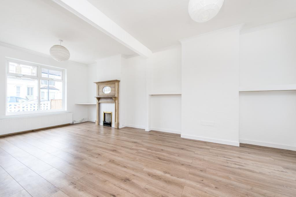 3 Bedrooms End Of Terrace House for sale in Danbrook Road, London, SW16