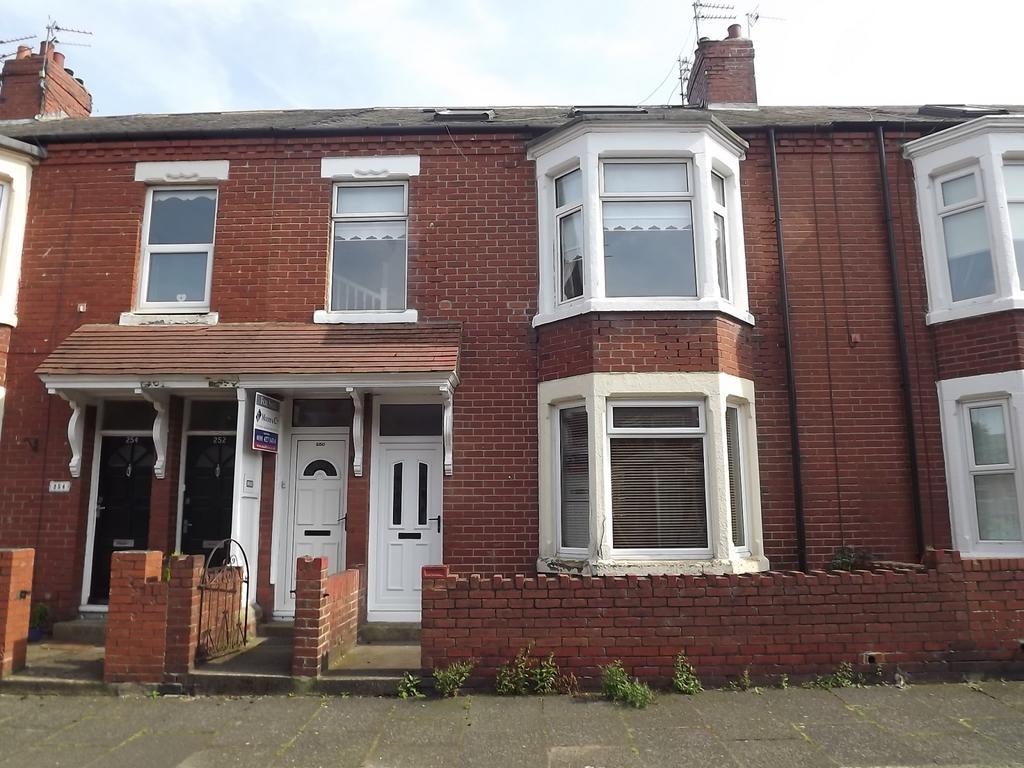 3 Bedrooms Maisonette Flat for sale in St Vincent Street, South Shields