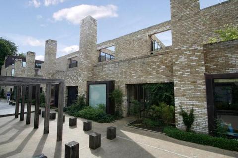 4 bedroom terraced house to rent - Henslow Mews, Cambridge