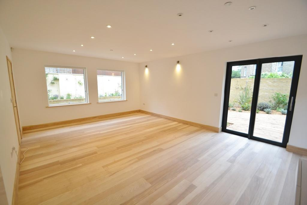 3 Bedrooms End Of Terrace House for sale in Crayford Mews, Tufnell Park, London, N7