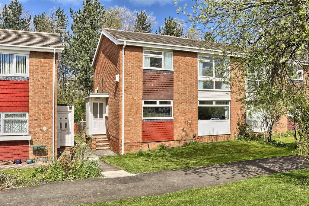 2 Bedrooms Flat for sale in Rosewood Court, Marton