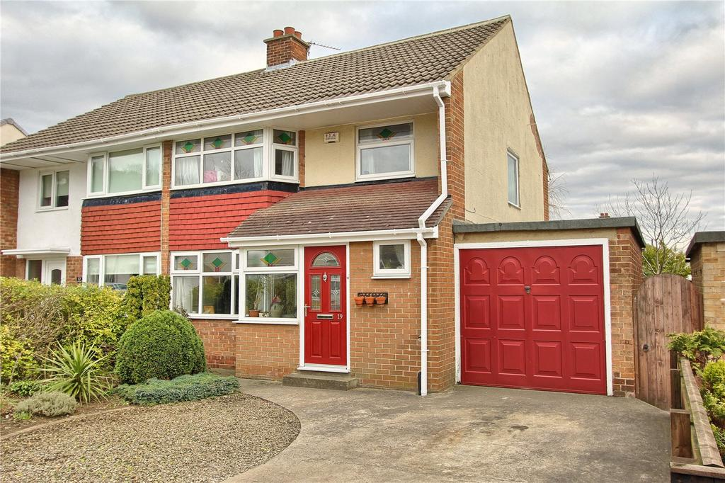 4 Bedrooms Semi Detached House for sale in Hambleton Road, Nunthorpe