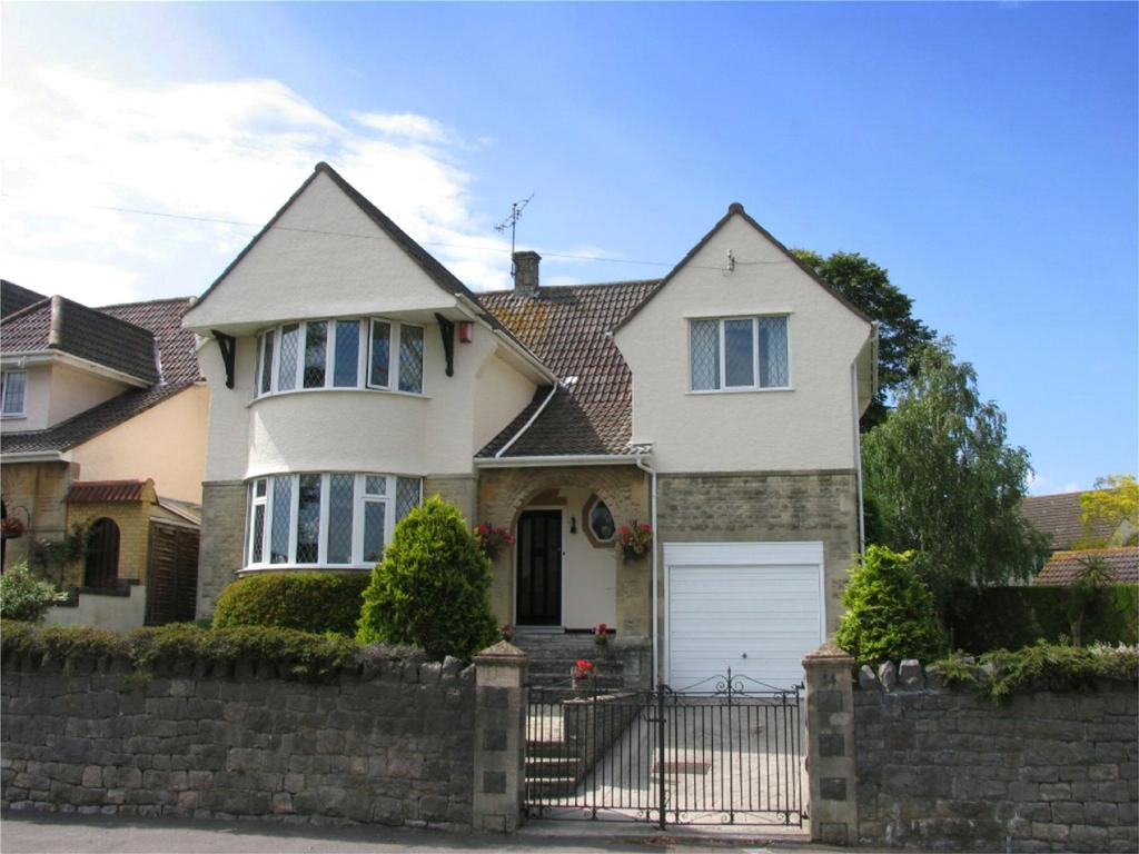 4 Bedrooms Detached House for sale in Uphill Road South, Uphill, Weston-super-Mare, North Somerset, BS23