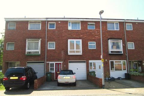 4 bedroom townhouse to rent - Highfield Road, Portsmouth