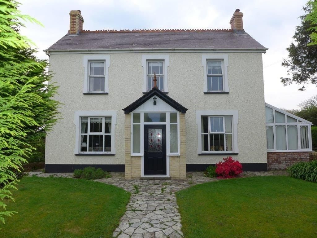 5 Bedrooms Detached House for sale in Clarbeston Road, Pembrokeshire