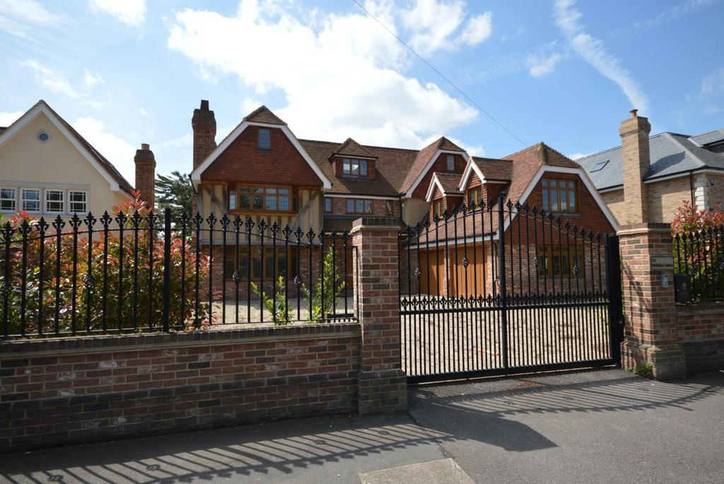 8 Bedrooms Detached House for sale in Parkstone Avenue, Emerson Park, Hornchurch, Essex, RM11