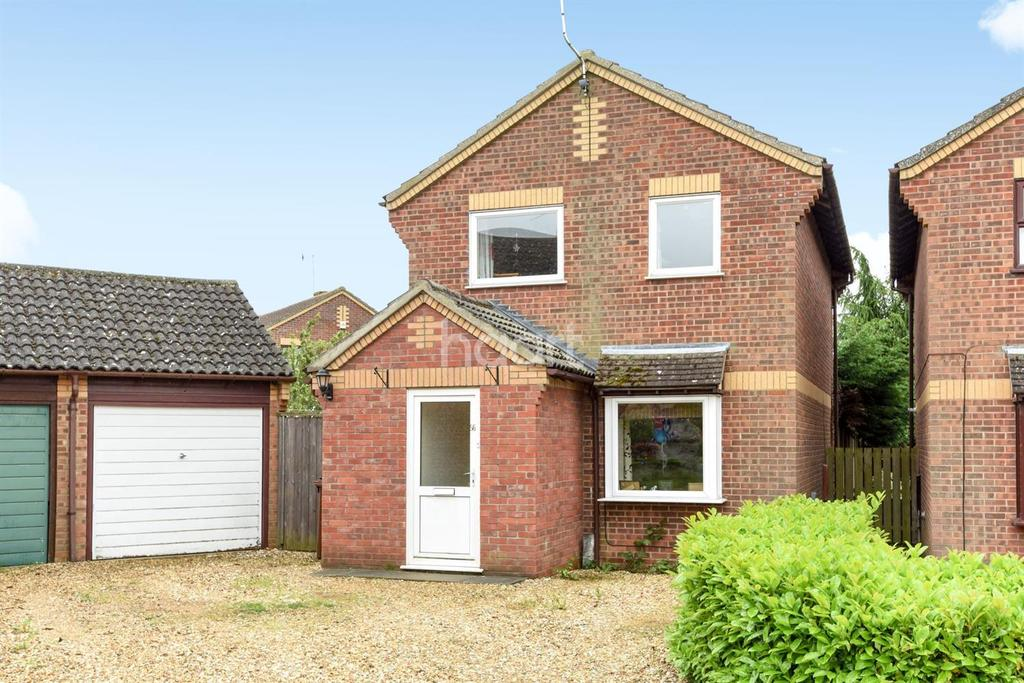 3 Bedrooms Detached House for sale in Thyme Close, Thetford