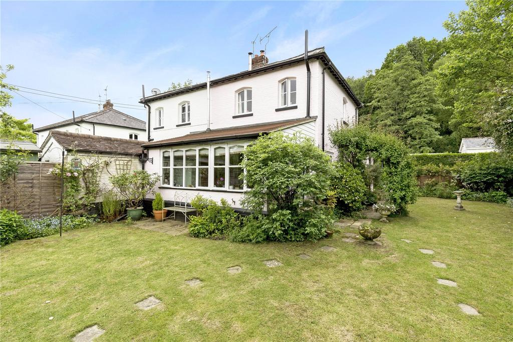 2 Bedrooms Semi Detached House for sale in Station Road, Petworth, West Sussex, GU28