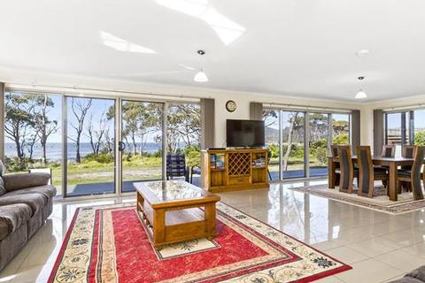 4 bedroom house  - 31 Weily Avenue, Bicheno, TAS