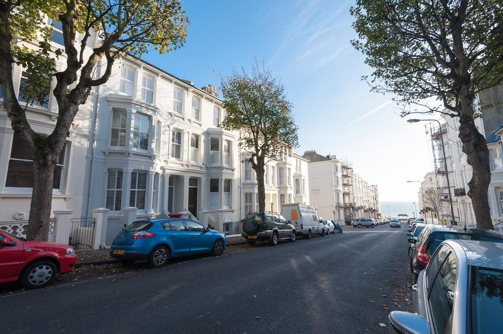 4 Bedrooms Terraced House for sale in Eaton Place, Brighton, BN2