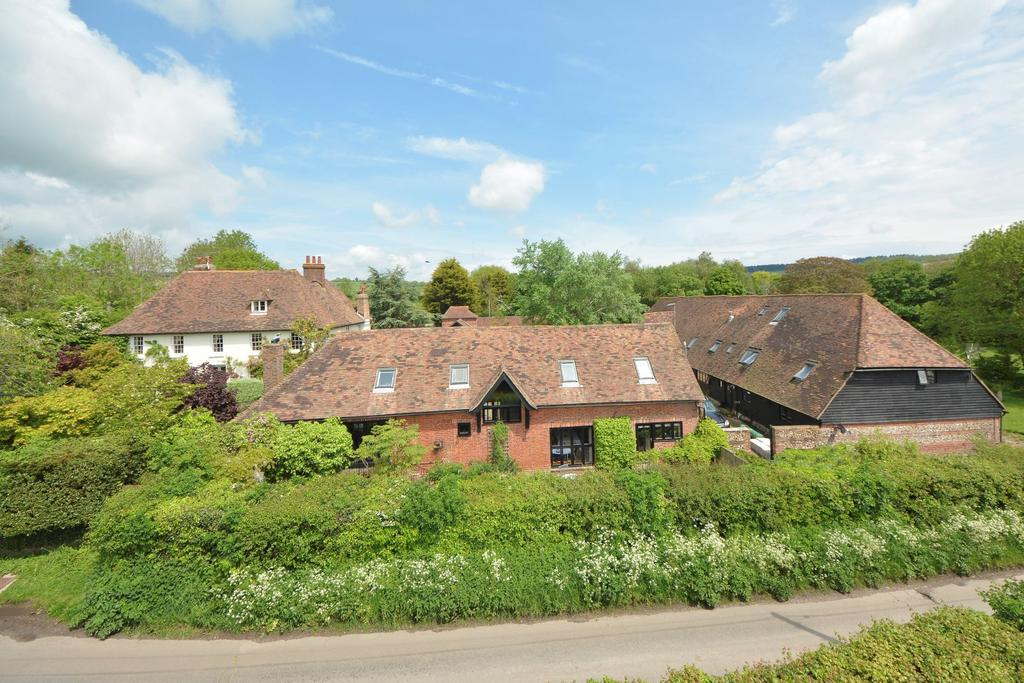 4 Bedrooms Detached House for sale in Stowting, TN25