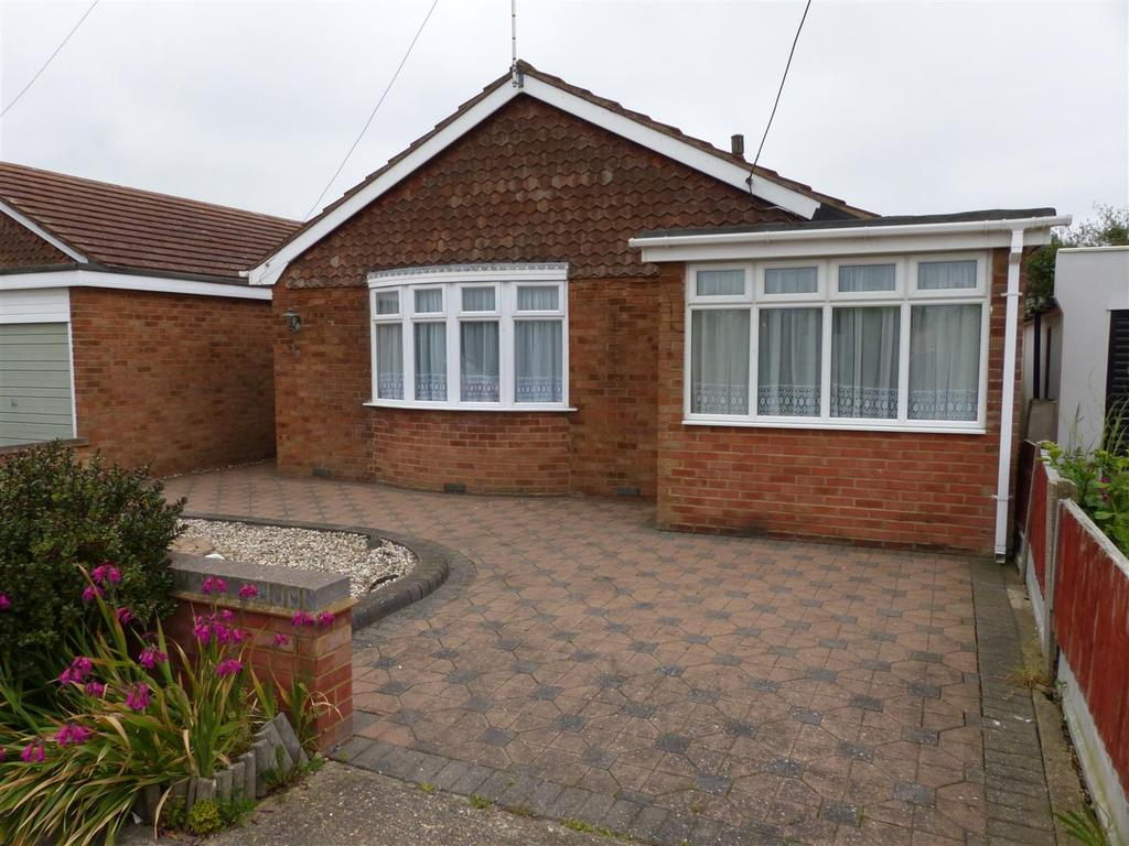 3 Bedrooms Detached Bungalow for sale in Bramble Road, Canvey Island