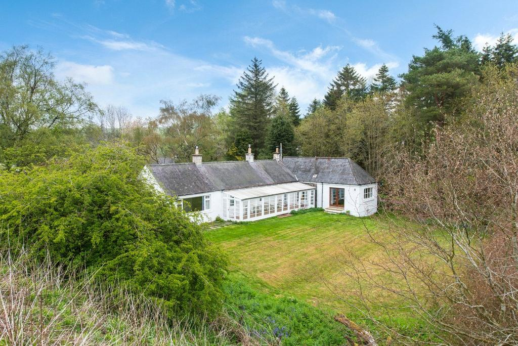 4 Bedrooms Detached House for sale in Linnfall Farmhouse, Peebles, Scottish Borders, EH45
