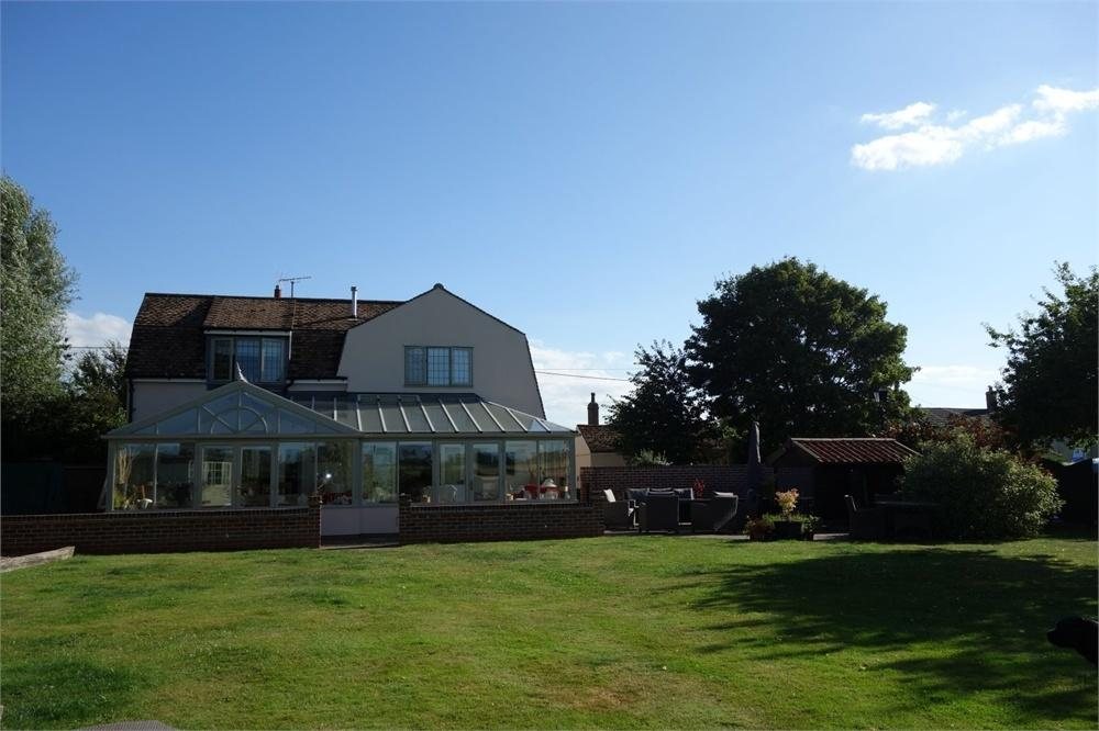 5 Bedrooms Detached House for sale in The Street, Kirby-le-Soken, FRINTON-ON-SEA, Essex