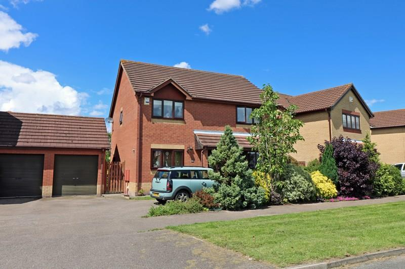 4 Bedrooms Detached House for sale in Barnham Broom Road, Wymondham