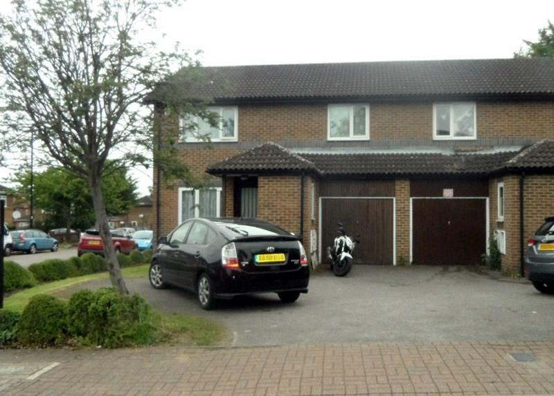3 Bedrooms Semi Detached House for sale in Abbeyfields Close, London NW10
