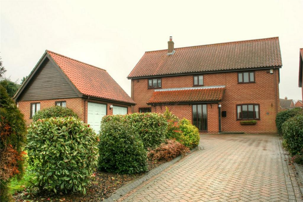 4 Bedrooms Detached House for sale in Norwich Road, ATTLEBOROUGH, Norfolk