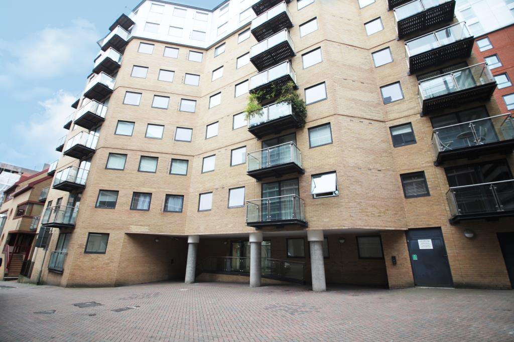 2 Bedrooms Flat for sale in Icon House, Merchants Place, Reading, Berkshire, RG1