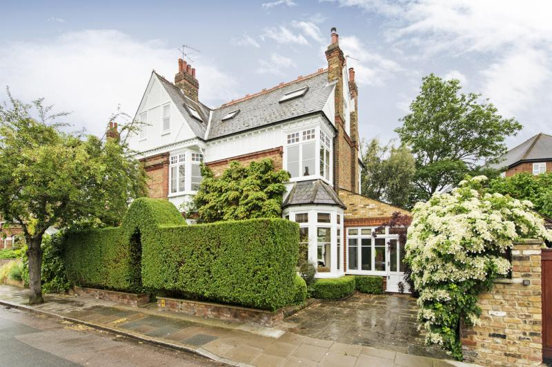 5 Bedrooms House for sale in Fitzgerald Avenue, London, SW14