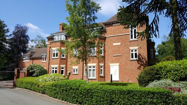 2 Bedrooms Flat for sale in Thornhill Road,Streetly,Sutton Coldfield