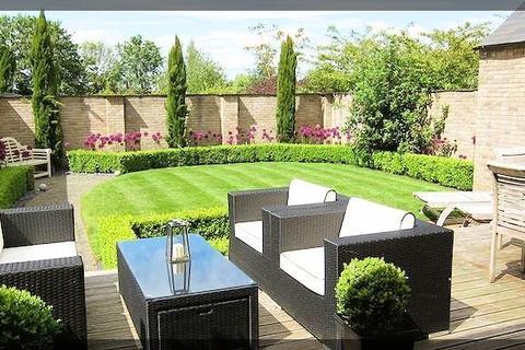 5 bedroom detached house to rent - Box Tree House Monckton Rise,  Newbald, YO43