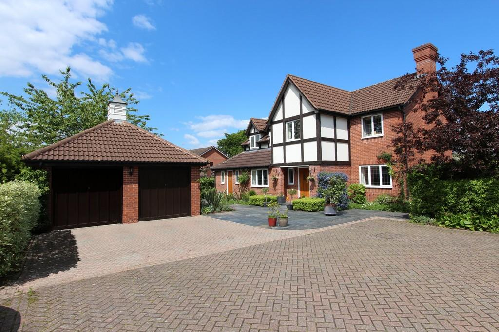 5 Bedrooms Detached House for sale in Swinford Grove, Dorridge