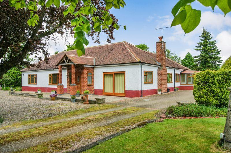 4 Bedrooms Detached Bungalow for sale in East Drayton, Retford