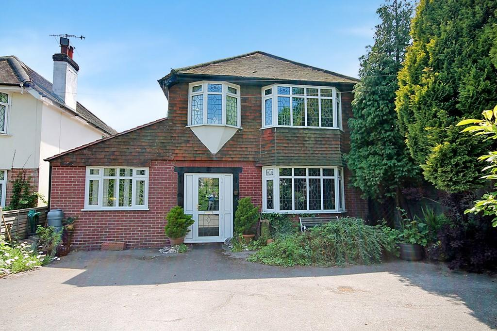 3 Bedrooms Detached House for sale in Poulters Lane, Offington, Worthing BN14 7ST