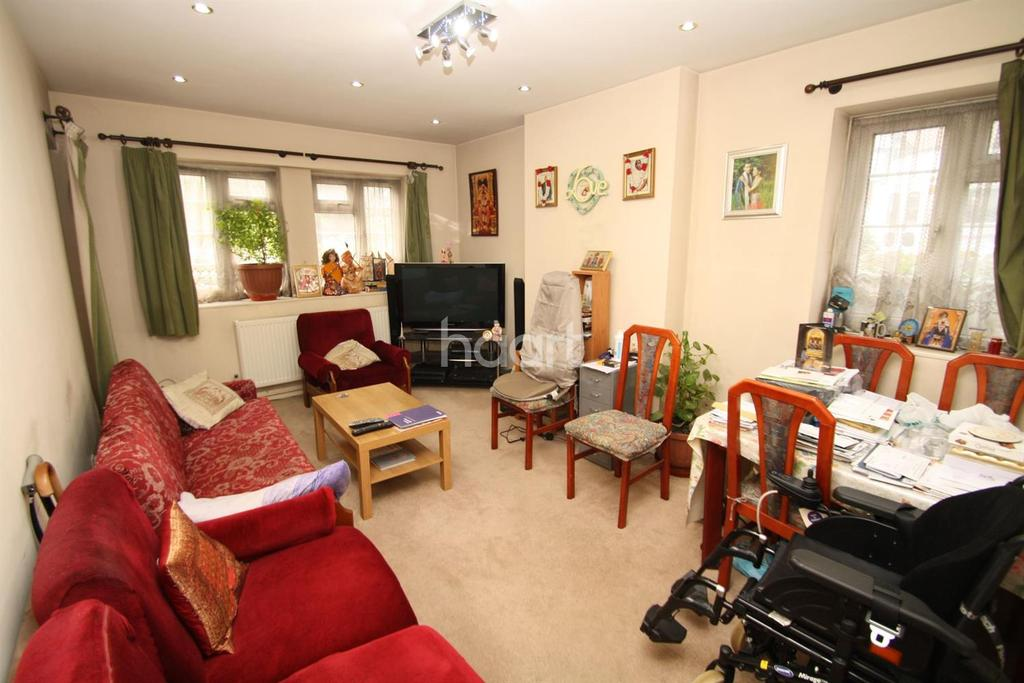 2 Bedrooms Flat for sale in Forty Avenue, Wembley Park