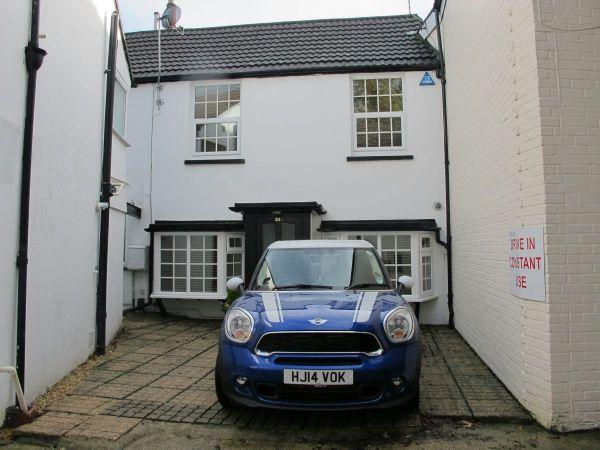 2 Bedrooms Terraced House for rent in Norwich Road, Bournemouth Town Centre
