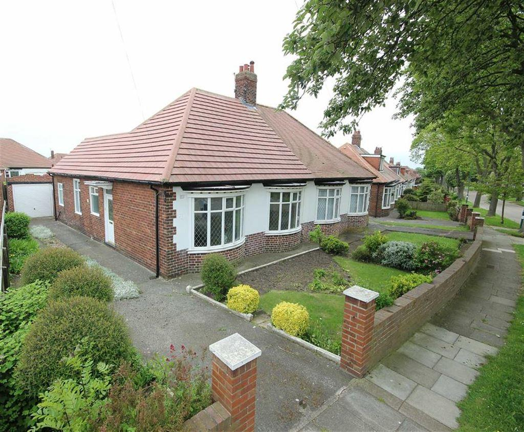 3 Bedrooms Semi Detached Bungalow for sale in Sunniside Drive, South Shields, Tyne And Wear
