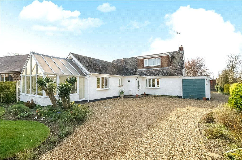 3 Bedrooms Detached House for sale in Wymington Road, Rushden, Northamptonshire