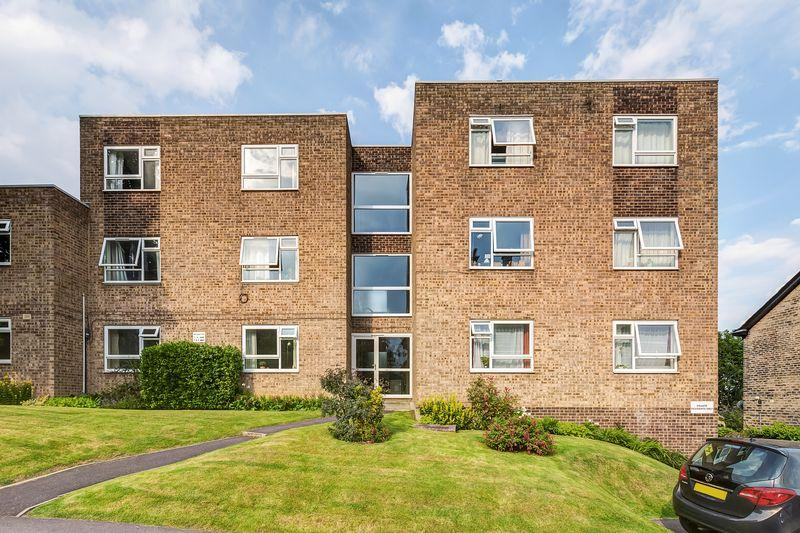 2 Bedrooms Flat for sale in Sale Hill, Broomhill, Sheffield, S10 5BX
