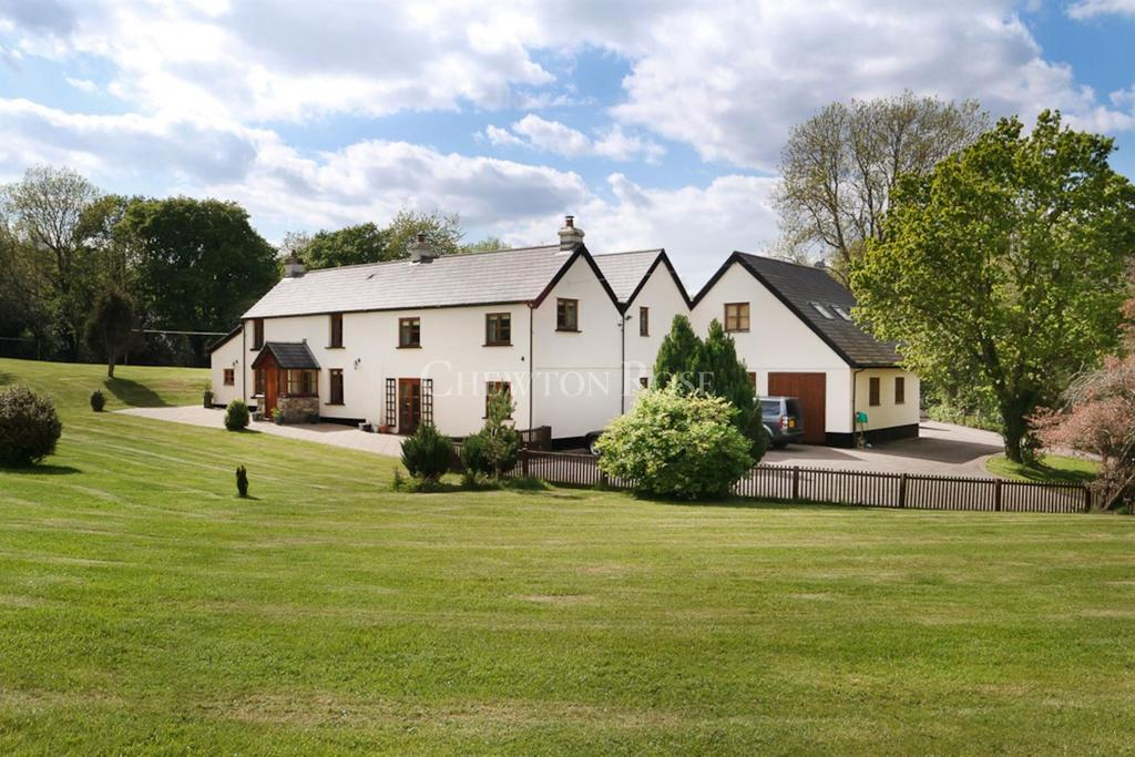 5 Bedrooms Detached House for sale in Glascoed, USK, Monmouthshire