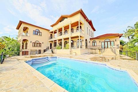 5 bedroom villa  - Villa G, Tuscan Style Villa, Ocean Club Estates, Paradise Island