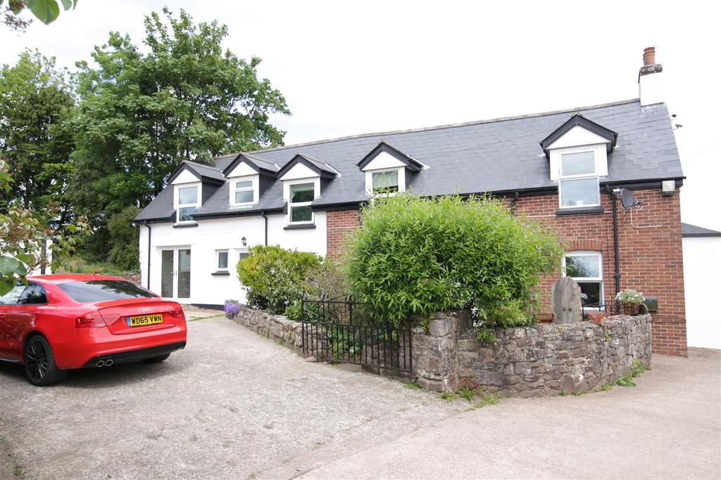 4 Bedrooms Detached House for sale in Washfield, Tiverton