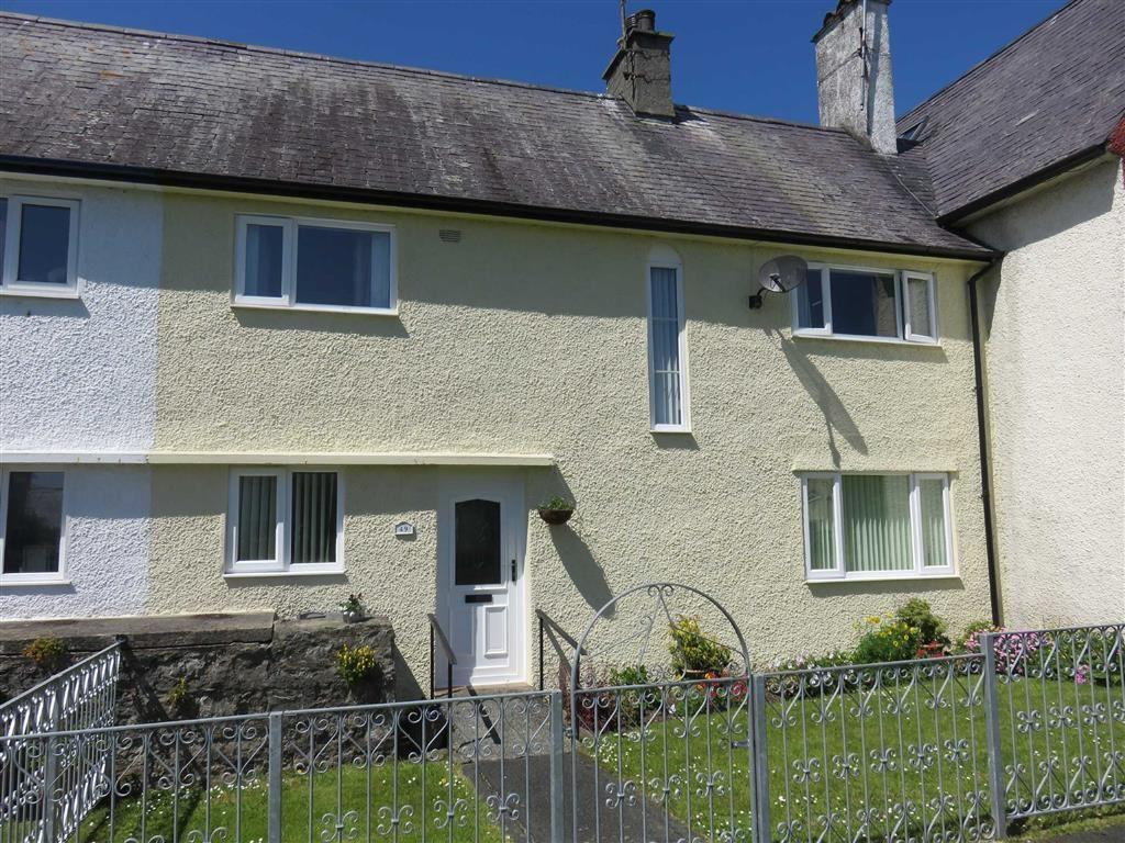 3 Bedrooms Terraced House for sale in Maes Hyfryd, Beaumaris, Anglesey