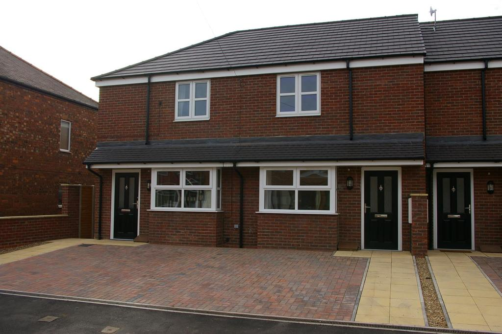 3 Bedrooms Semi Detached House for sale in Cambridge Road, Hessle