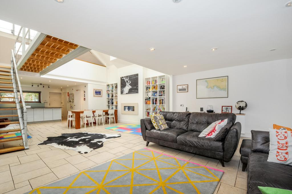3 Bedrooms Maisonette Flat for sale in Bermondsey Street, SE1