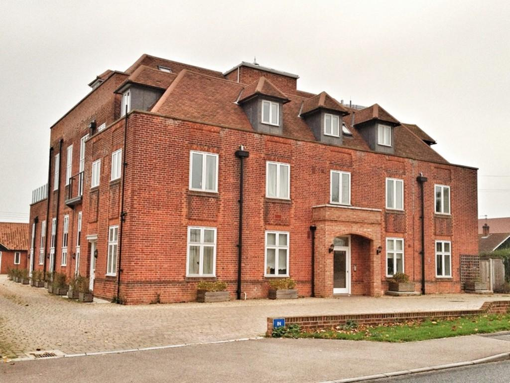 2 Bedrooms Apartment Flat for sale in Norwich Road, Halesworth