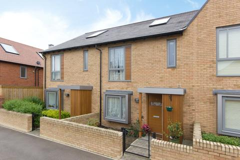 3 bedroom terraced house to rent - Spring Drive, Trumpington, Cambridge